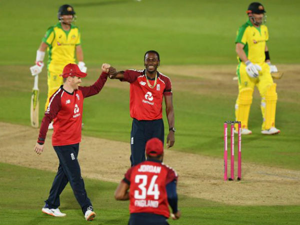 दूसरी बार इंग्लैंड ने बचाया सबसे कम स्कोर