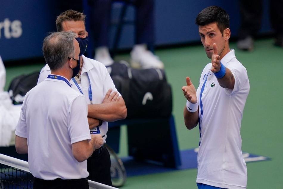 Us Open 2020 After Hitting Line Judge With Ball Novak Djokovic Was Defaulted