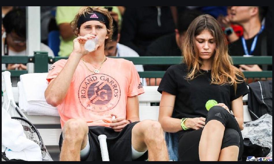 'मेरा दम घोंटने की कोशिश की'- टेनिस स्टार अलेक्जेंडर ज्वेरेव की पूर्व प्रेमिका ने लगाया उन पर आरोप