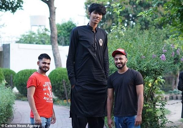 लाहौर कलंदरों के लिए भी खेलना चाहते हैं-