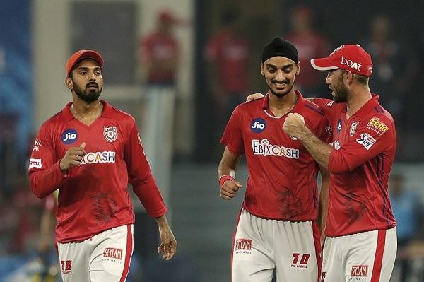 2. युवा गेंदबाजों में कप्तान दिखा रहा है कम विश्वास-