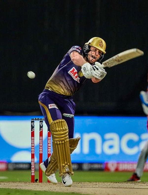 1. मुश्किल विकेट पर आक्रामक शॉट खेले