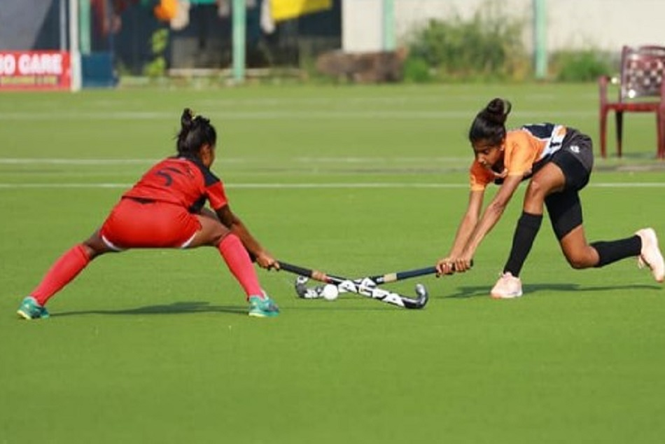 After A Long Time Hockey Players Started Training In Maharashtra