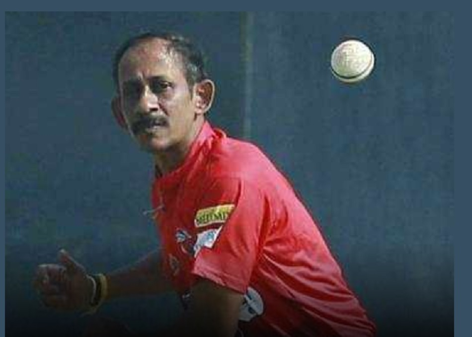 Rahul Dravids ex teammate and former Kerala left arm spinner Suresh Kumar found hanging inside his house