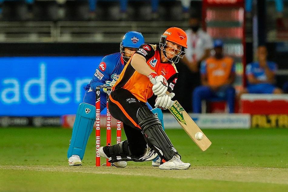 डेविड वार्नर और साहा का विस्फोटक खेल, शुरूआती 6 ओवर में ठोक दिए 77 रन
