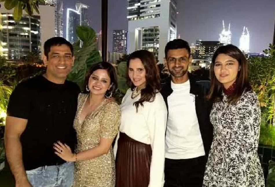MS Dhoni celebrates Sakshi birthday with Shoaib Malik and Sania Mirza- see pictures