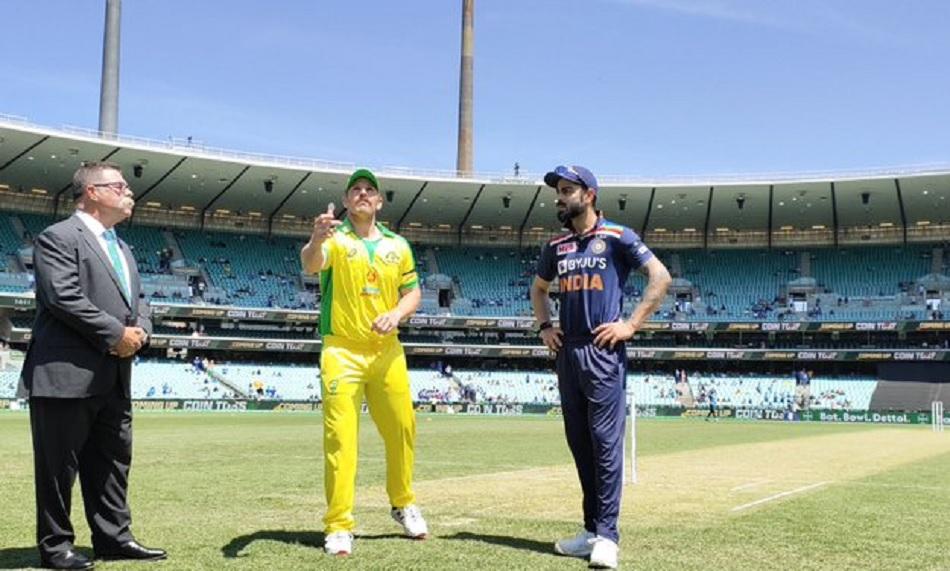 IND vs AUS 1st ODI Live: वार्नर-फिंच के बीच अर्धशतकीय साझेदारी पूरी