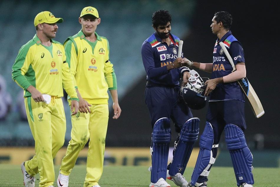 IND vs AUS : टीम इंडिया पर धीमी ओवर गति के लिए लगा जुर्माना