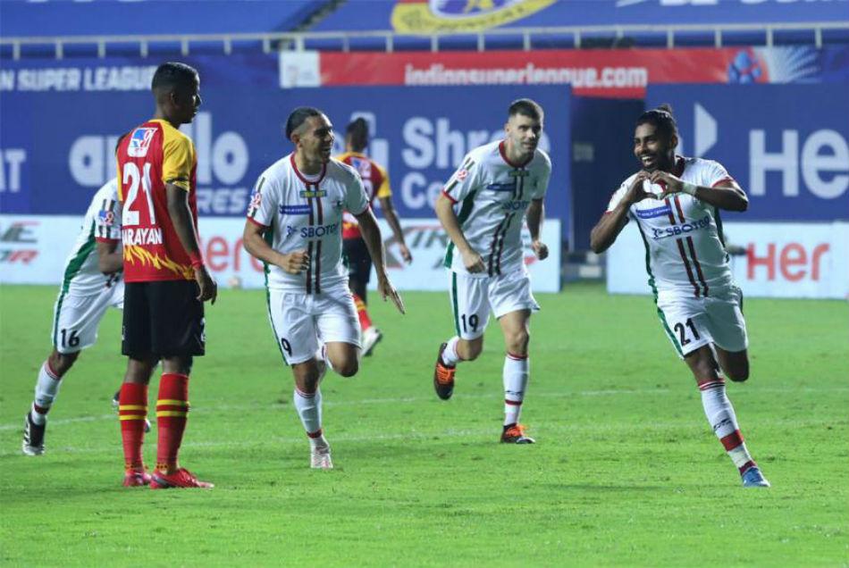 ISL 2020-21: कोलकाता के ऐतिहासिक डर्बी मैच में मोहन बागान ने ईस्ट बंगाल को पीटा, 2-0 से हराया