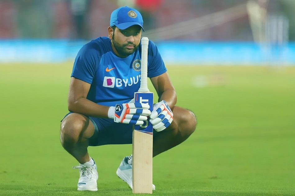 IND vs AUS: चोट नहीं बल्कि इस वजह के चलते यूएई से भारत लौटे थे रोहित शर्मा