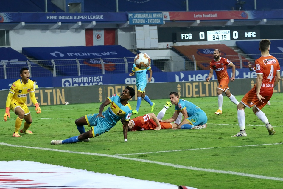 ISL 7: FC Goa enters in playoff by just playing goal less draw against Hyderabad FC