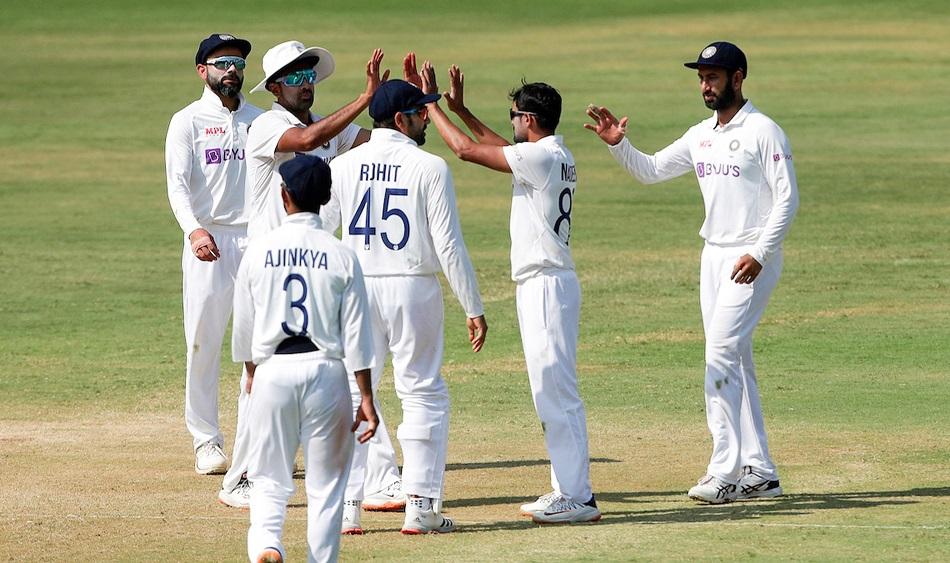 IND vs ENG: Aakash Chopra suggest Kuldeep Yadav and Axar Patel in 2nd Test