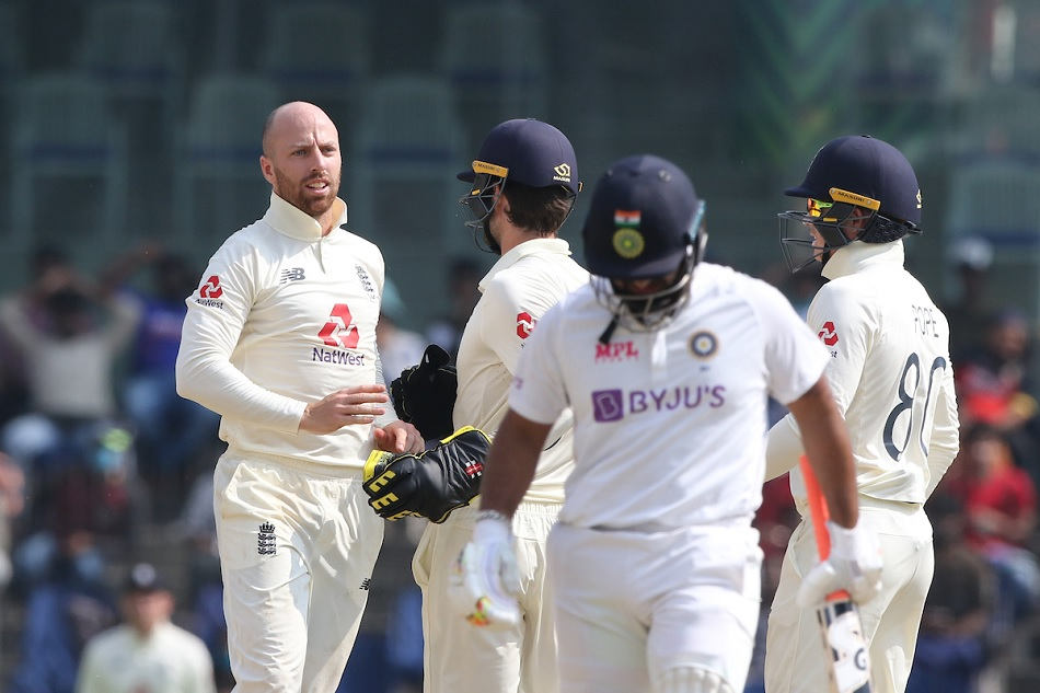 IND vs ENG 3rd Day: Turning pitch is in play as Indias half team out within first hour