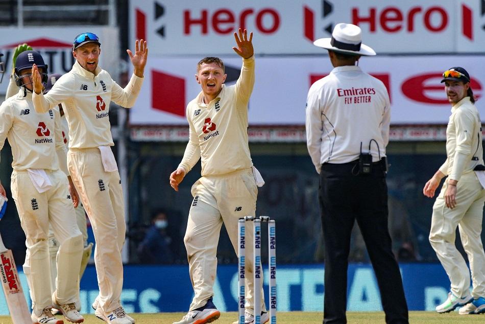 जो रूट ने गेंदबाजी में किया कमाल, 5 विकेट लेने वाले दूसरे कप्तान बने