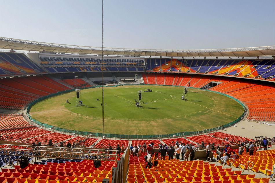 राष्ट्रपति रामनाथ कोविंद ने दुनिया के सबसे बड़े क्रिकेट मैदान का किया उद्घाटन