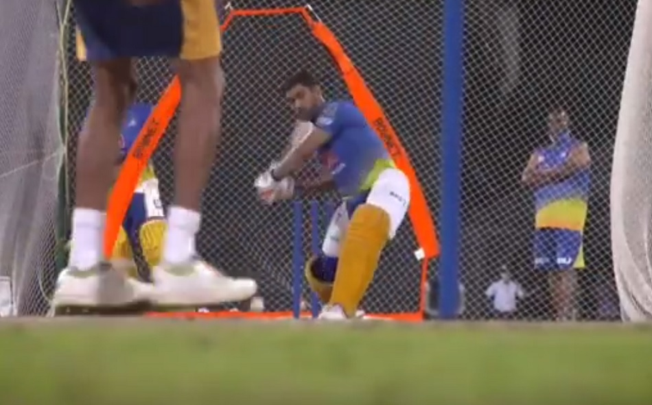 IPL 2021: MS Dhoni hits sixes in Chennai Super kings training camp- Watch
