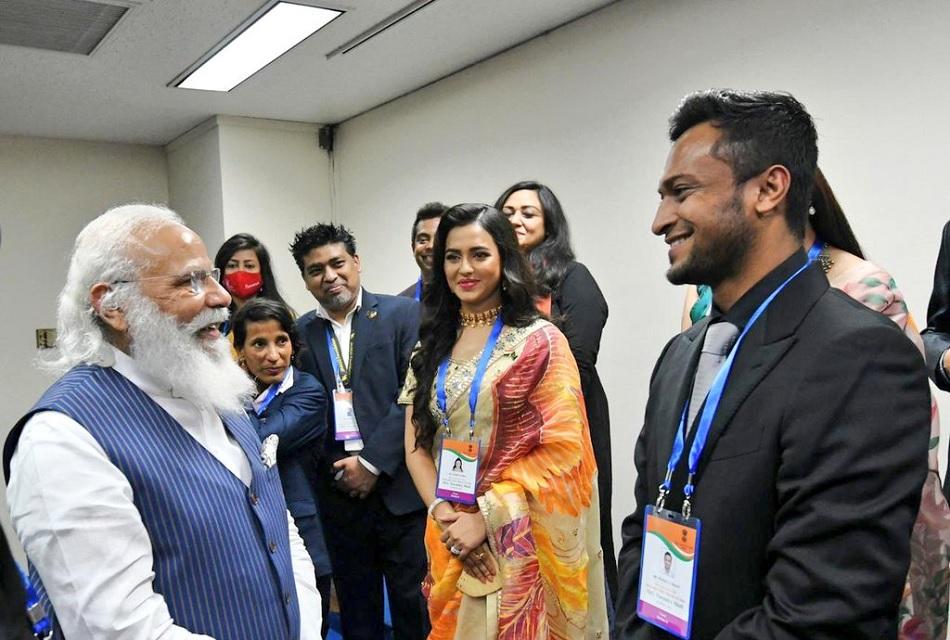 Shakib-Al-Hasan meets PM Narendra Modi in Dhaka, appreciate his leadership