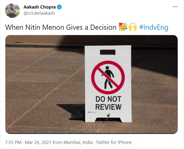 दिनेश कार्तिक और आकाश चोपड़ा ने किए ट्वीट-