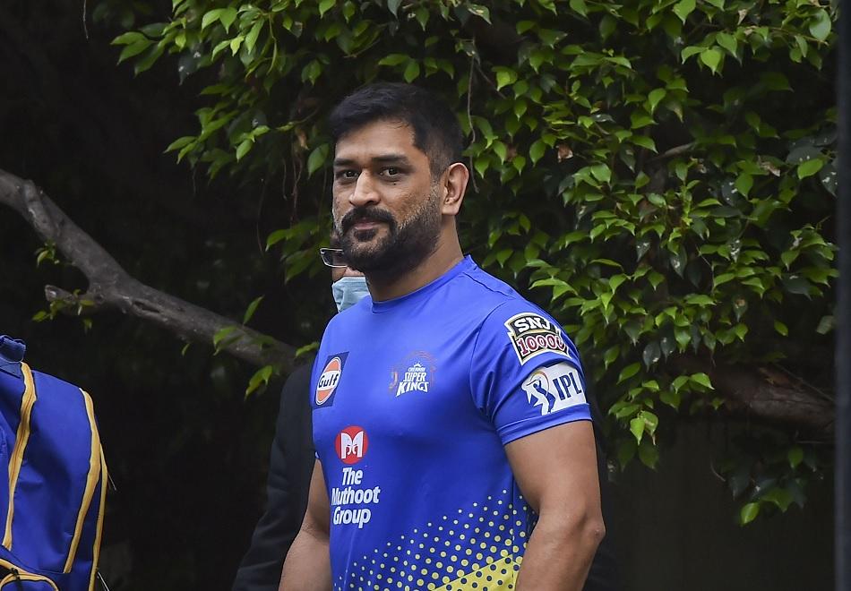 श्रीलंका के खिलाफ 183 रनों के लिये देते हैं बधाई