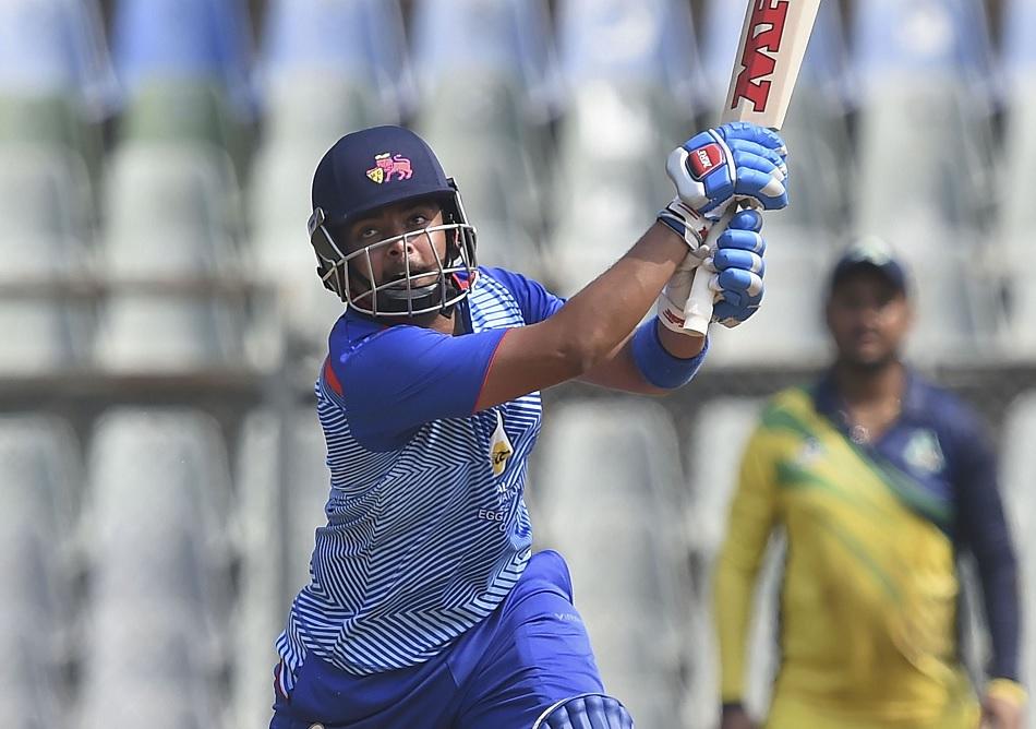 विजय हजारे ट्रॉफी के सिंगल सीजन में 800 रन बनाने वाले पहले बल्लेबाज बने पृथ्वी शॉ