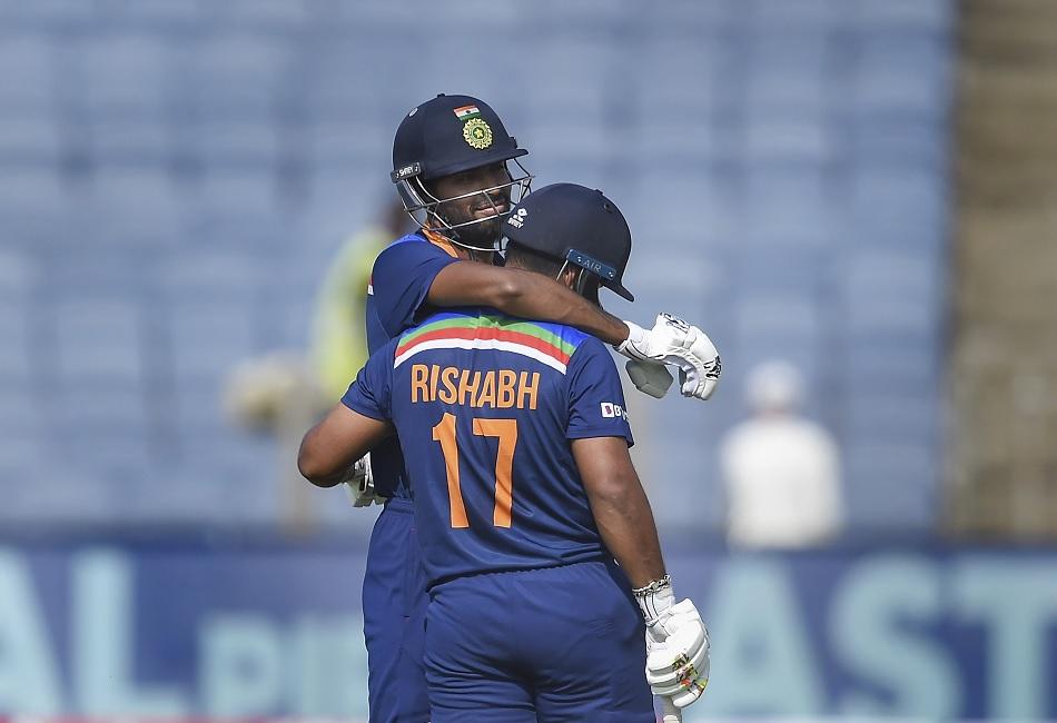 Darren Gough belives everyone is going to play like Rishabh Pant and Hardik Pandya in 10 years