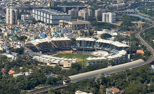 बल्लेबाजों की सूची में सुरेश रैना नंबर वन पर हैं-
