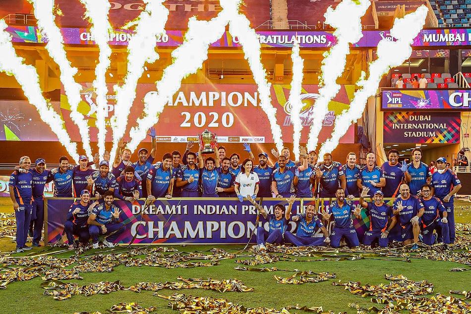 इसे भी पढ़ें- 5 कारण जिनके चलते दुनिया की बड़ी से बड़ी क्रिकेट लीग भी नहीं कर पाती IPL का मुकाबला