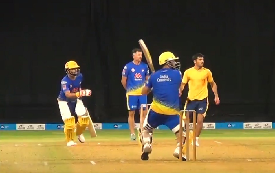 IPL 2021: MS Dhoni shines in intra squad match of Chennai Super Kings- Watch Video