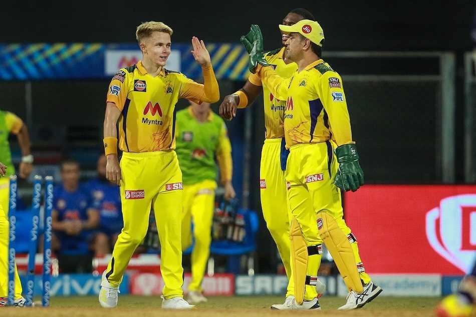 आईपीएल में 150 विकेट लेने वाले पहले विकेटकीपर बने धोनी