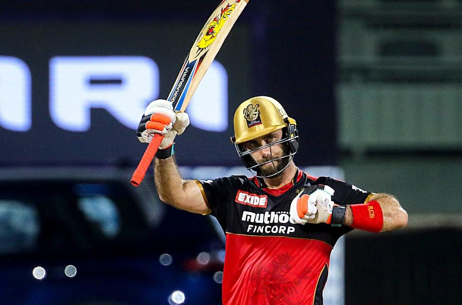 ग्लेन मैक्सवेल ने खेली अर्धशतकीय पारी, जमकर लगाई KKR के गेंदबाजों की क्लास