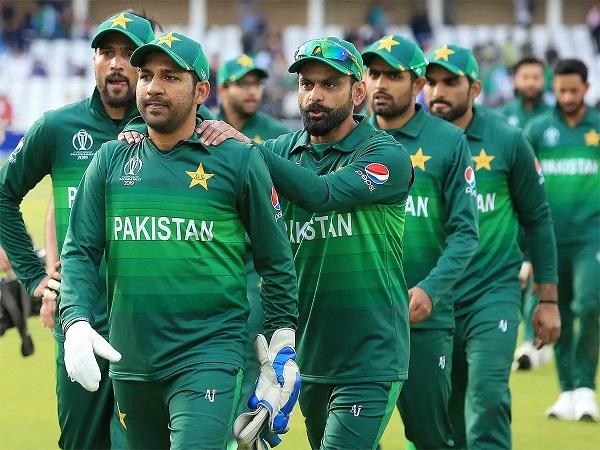 पाकिस्तान में अनुबंधित खिलाड़ियों की तीन श्रेणियां हैं