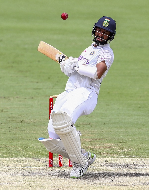 चेतेश्वर पुजारा ने 56 रन, 211 गेंदों पर बनाए-