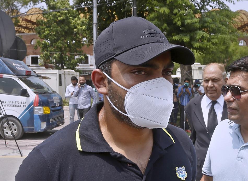 क्रिकेट में वापसी की राह के लिए उमर अकमल ने भरा 45 लाख रुपए का जुर्माना