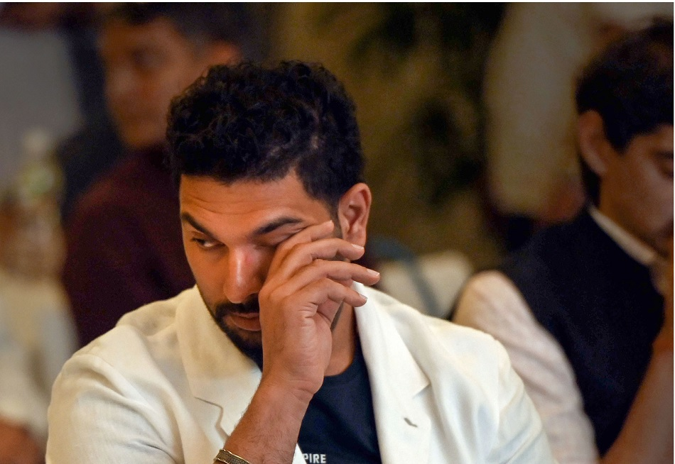 Yuvraj Singh replies in complaining tone when Wisden India asked a question in poll