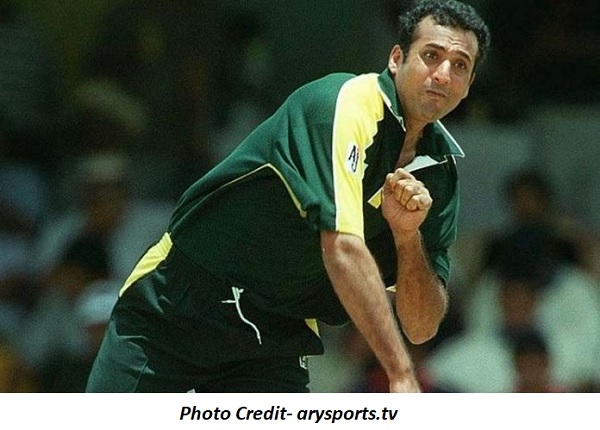 पाकिस्तान के पूर्व ऑफ स्पिनर अरशद खान-