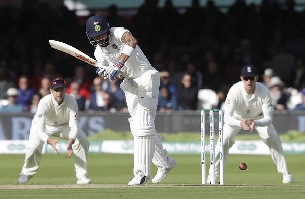 टेस्ट और वनडे में एंडरसन पर एक छक्का भी कोहली के नाम नहीं-
