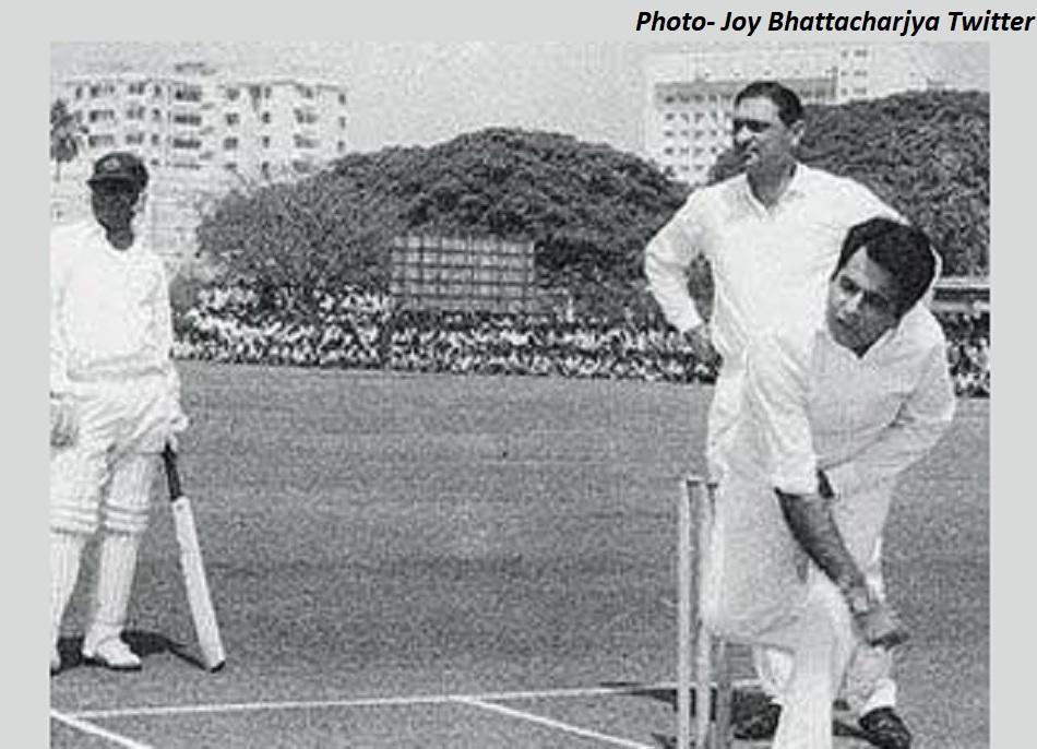 क्रिकेट के मैदान पर भी अपना जादू बिखरते दिलीप कुमार का विरला VIDEO, राज कपूर की टीम से था मैच