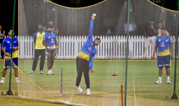 5. वेस्टइंडीज के खिलाफ मुंबई में 48 रन देकर सात विकेट-