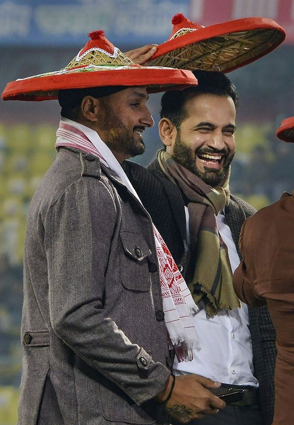2. कोलकाता में दक्षिण अफ्रीका के खिलाफ 8 विकेट-