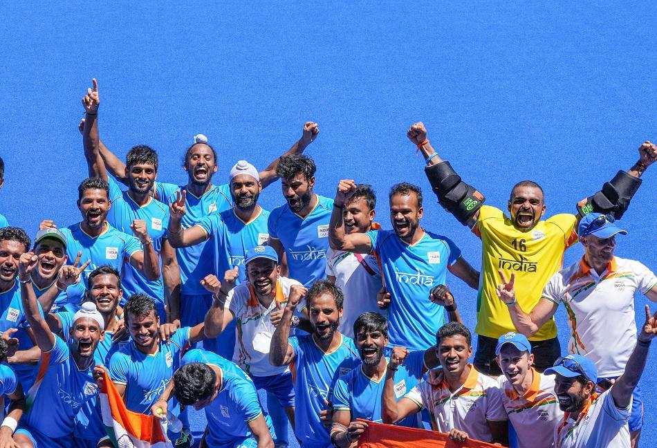 2. भारतीय पुरुष हॉकी टीम ने सबको भावुक कर दिया-