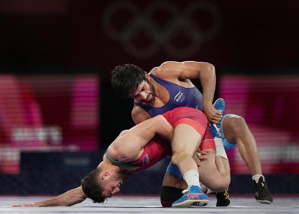 ओलंपिक से पहले घुटना चोटिल कर लिया था-