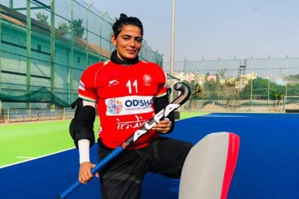 Tokyo Olympics : लड़कों के साथ खेलती थी सविता पूनिया, पिता ने कहा- बेटियां कुछ भी कर सकती हैं
