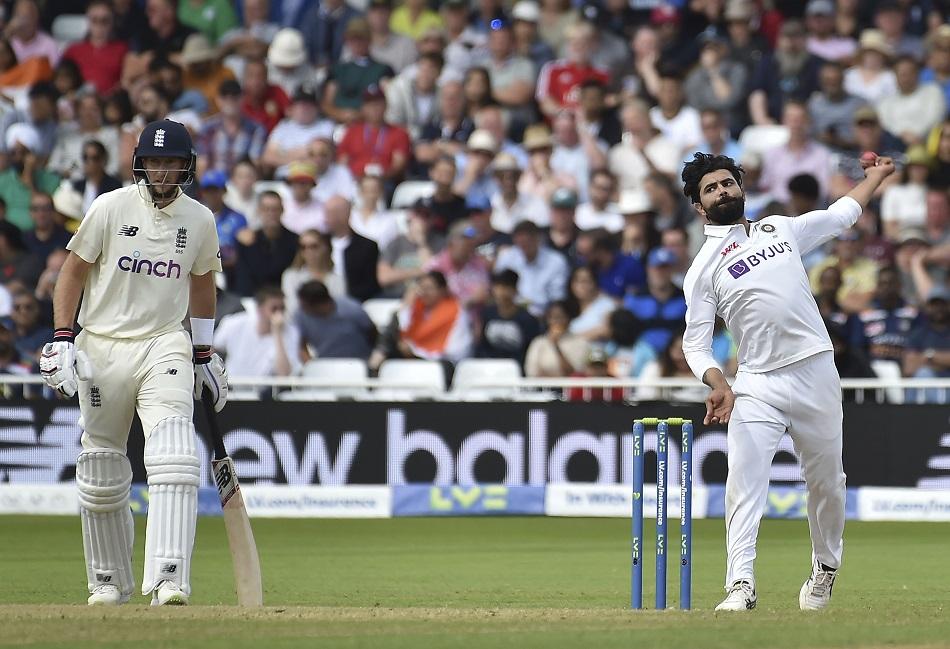 इंग्लैंड के खिलाफ विकेटों का अर्धशतक किया पूरा