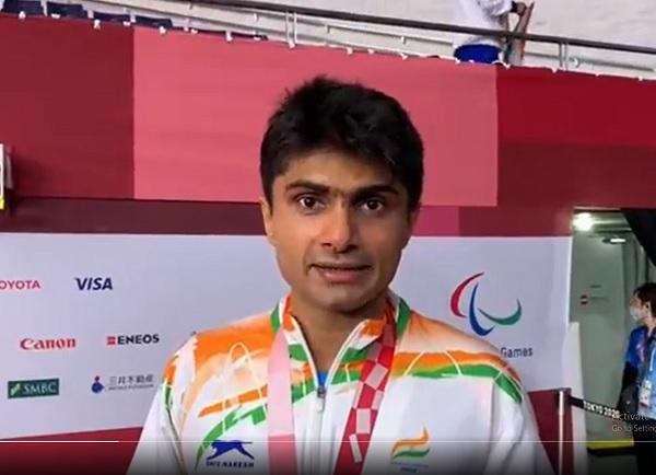 कोविड -19 हीरो बना पैरालंपिक हीरो
