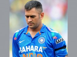 Mahendra Singh Dhoni Danger Overstaying His Time As Captain Ian Chappell