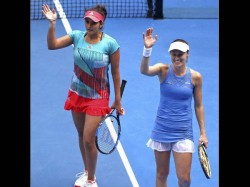 India S Sania Mirza Martina Hingis Win Australian Open Women Doubles