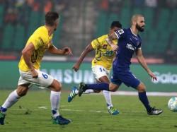 Isl Chennaiyin Fc Kerala Blasters Play Out Goalless Draw