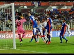 Football Isl 3 Fc Pune City Kerala Blasters Play 1 1 Draw