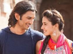 Valentine S Day Hindu College Students Worship Disha Patani Find Their Ms Perfect