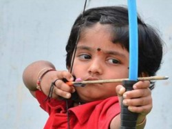 Vijayawada 5 Year Old Archer Cherukuri Dolly Shivani Creates Record Vice President Praises
